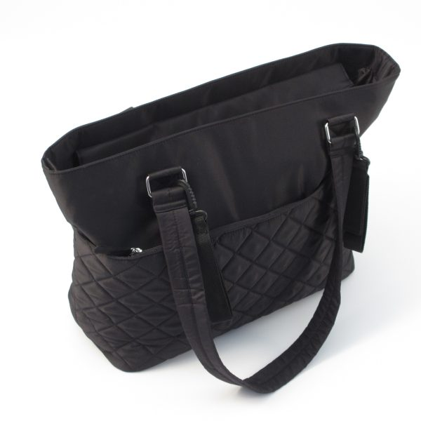 78596_Quilted Tote Bag Black_HiRes_Product