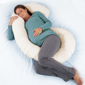 95021_ultimate-body-pillow_hires_lifestyle_2-tif
