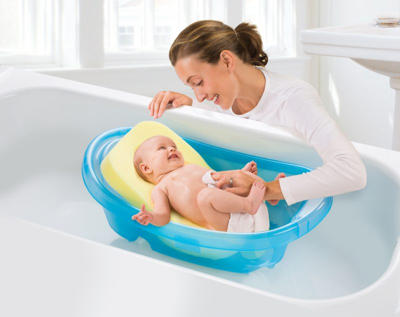 Bathing your Newborn - Summer Infant baby products